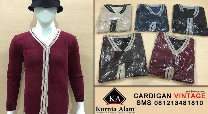 Cardigan-Pria-Model-Vintage